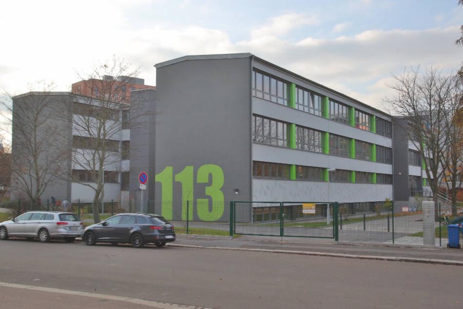Auch an dieser Grundschule in Dresden bot der Kampfsportlehrer auf seiner Website Aikido für Kinder an.