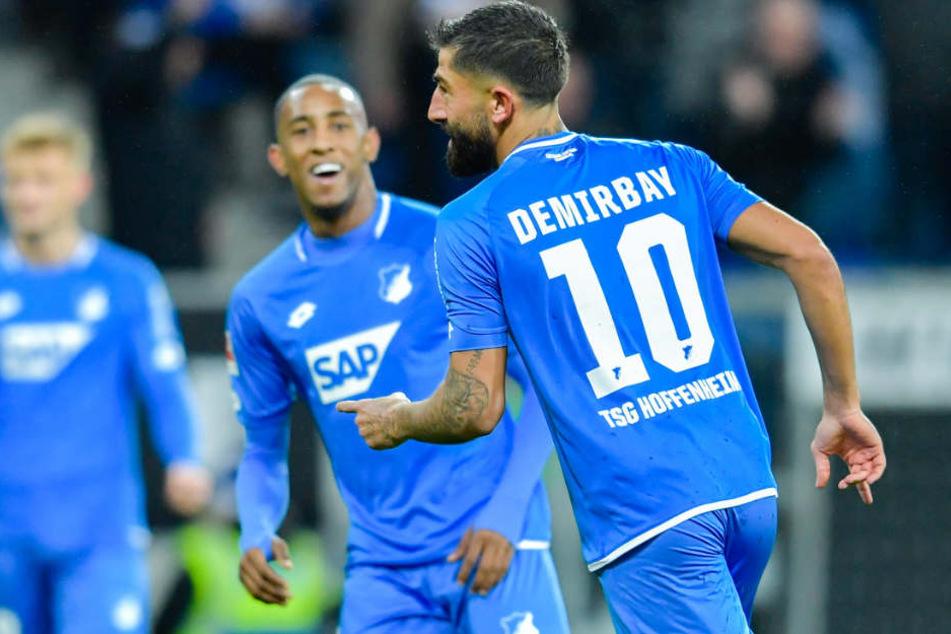 Nach dem 1:0-Treffer: Torschütze Kerem Demirbay (rechts) jubelt.
