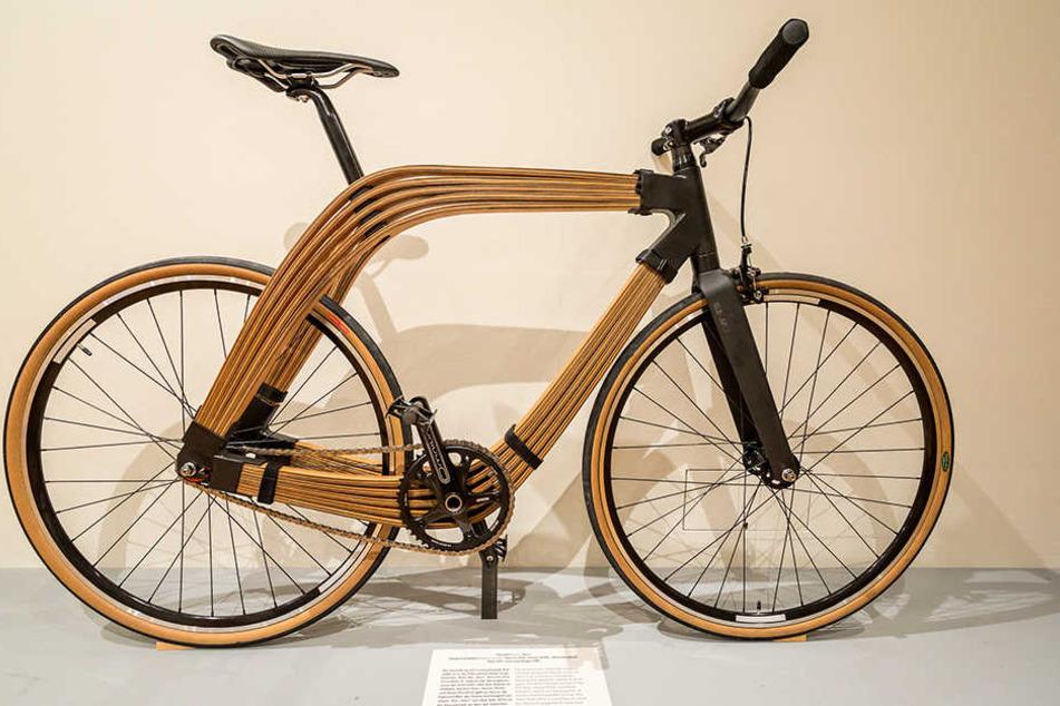 """Das """"Aero"""" von einem Designer-Trio aus Österreich setzt auf nachwachsende Rohstoffe. Der Rahmen besteht aus verleimten Birkenholzlamellen."""
