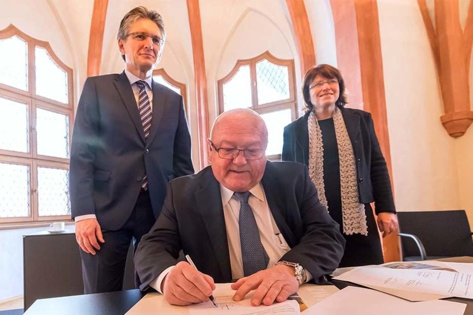Antreiber: Siegfried Fiebig (62), Sprecher der Geschäftsführung von Volkswagen Sachsen, hat die Zwickau AG angeregt. Zuvor unterschrieb er schon die Kooperationsvereinbarung mit der Stadt Zwickau.
