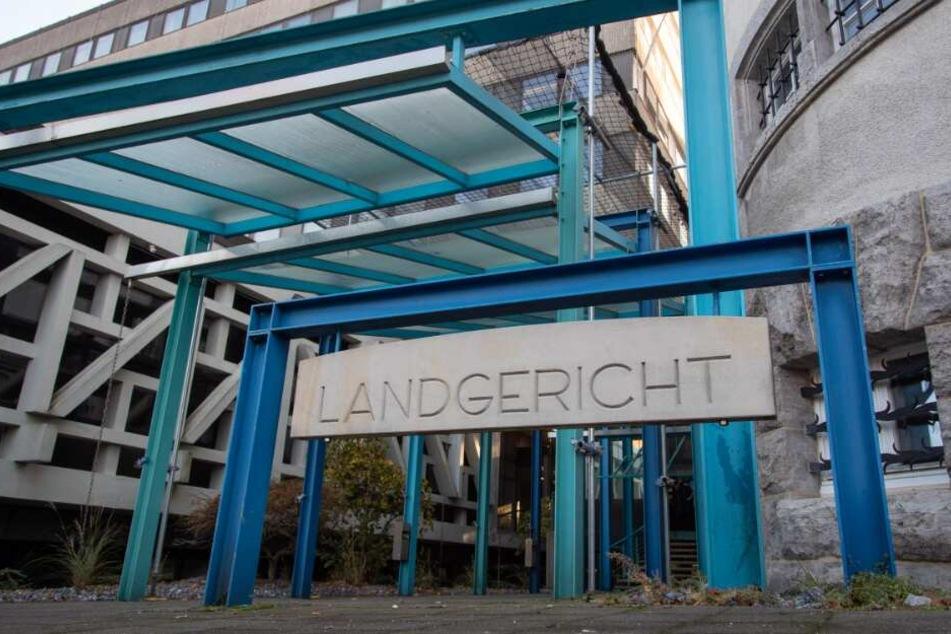 Das forderte die Anklage vor dem Bielefelder Landgericht.