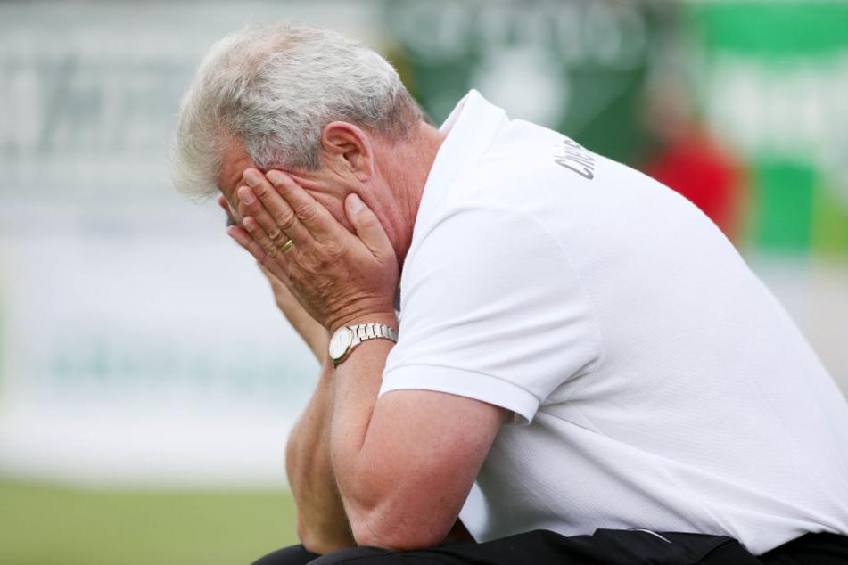 """Chemie-Trainer Dietmar Demuth hatte vor dem Spiel noch gesagt :""""Wir müssen wieder in die Spur kommen."""""""