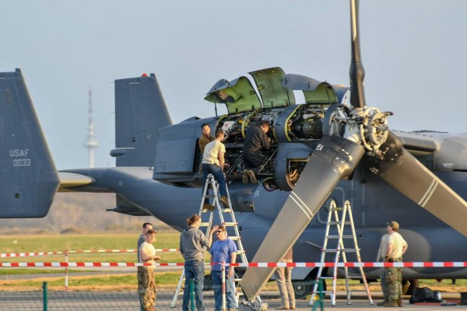 Das US-Militärflugzeug musste auf einem Magdeburger Flugplatz repariert werden.