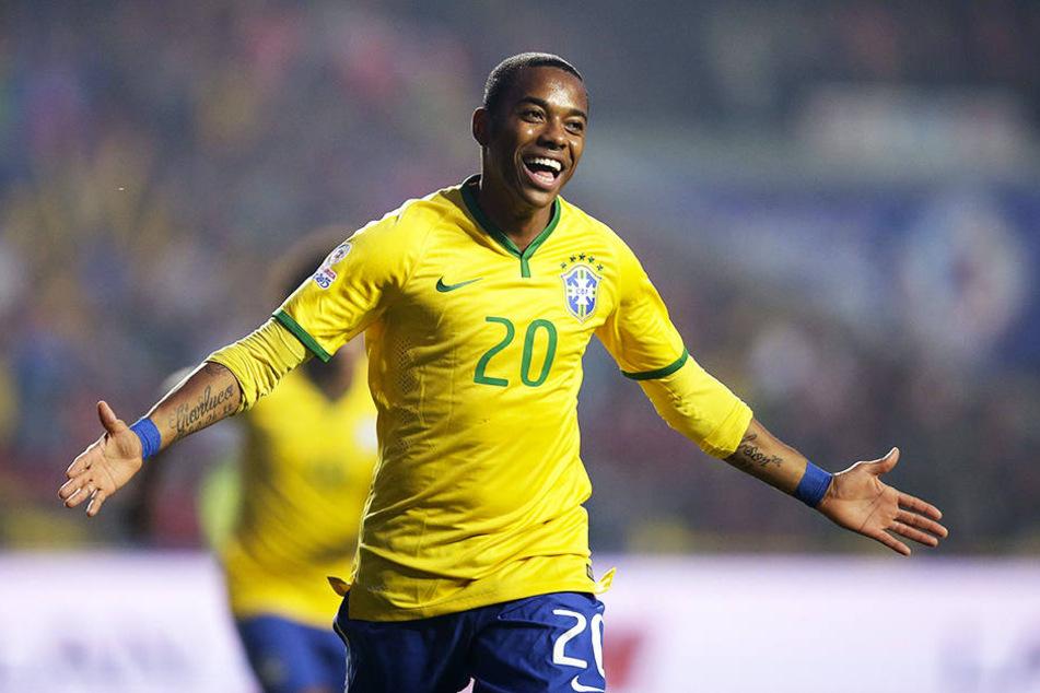 Oder wird es doch eher Sivasspor aus der Türkei, wo Bolt an der Seite vom ehemaligen brasilianischen Superstar Robinho stürmen könnte?