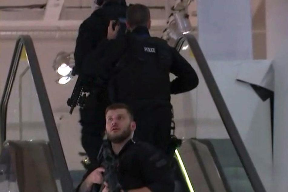 Die Polizei musste einschreiten und untersucht die U-Bahnstationen.