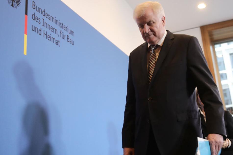 Horst Seehofer steht auch deutschlandweit immer mehr in der Kritik. (Archivbild)
