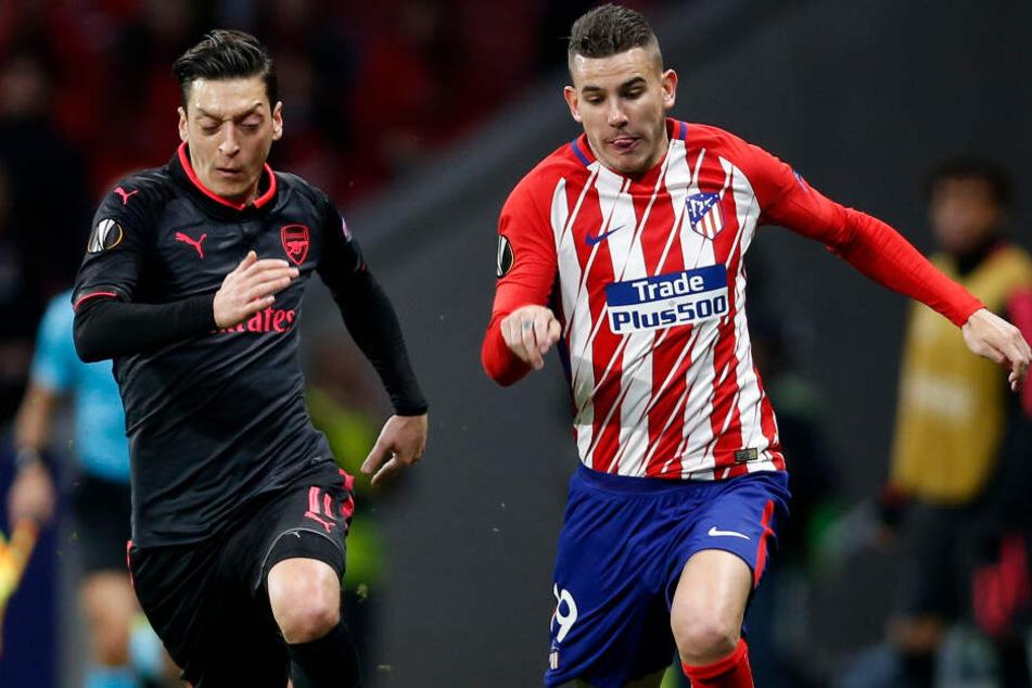 Lucas Hernández (r.) von Atlético Madrid könnte bald für den FC Bayern auflaufen.