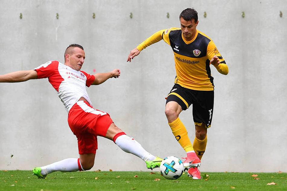 Philip Heise (rechts) stand im Testspiel gegen den Halleschen FC bereits wieder für Dynamo auf dem Platz.