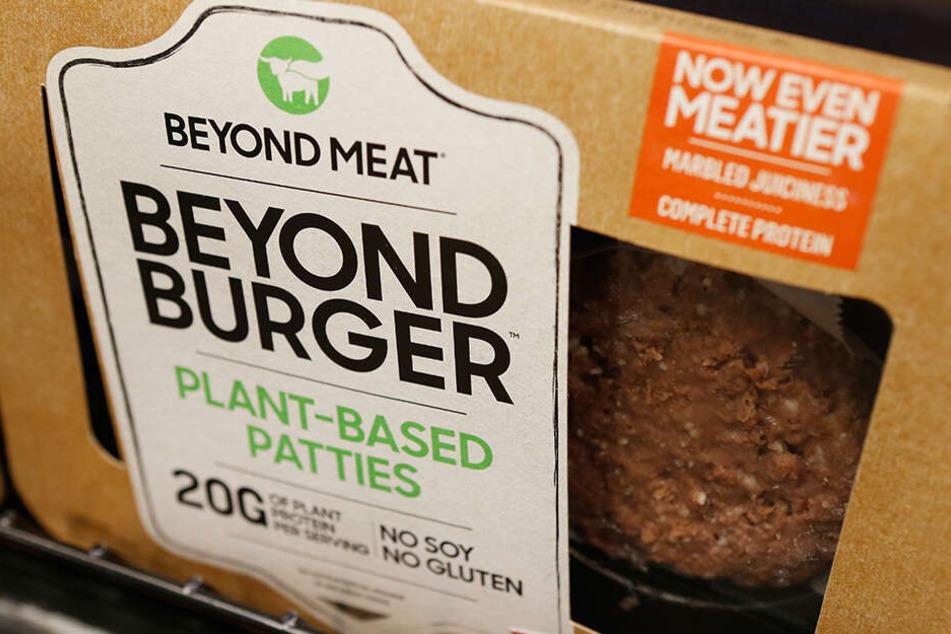 Fleischlose Burger Patties von Beyond Meat: Der Fleischersatz-Spezialist wächst nach wie vor rasant.