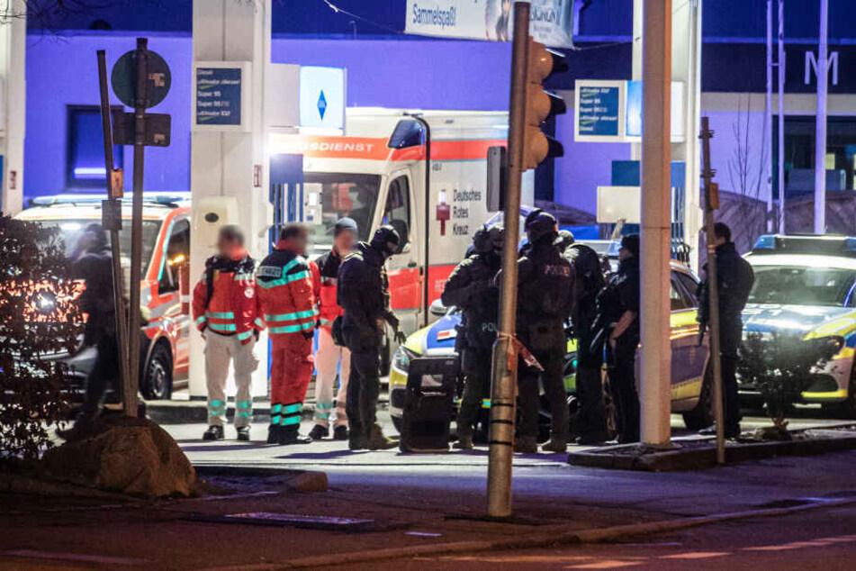 Rettungsdienstmitarbeiter hatten zuvor die Polizei verständigt.