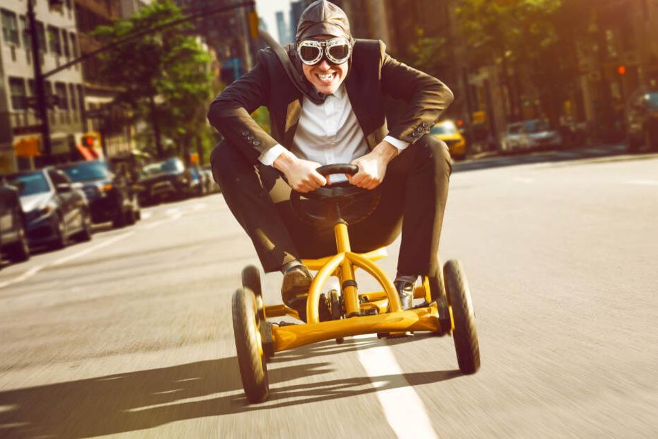 Wer fix hochschaltet, fährt sparsamer: Nur wer mit Muskelkraft in die Pedale tritt, fährt noch spritsparender.