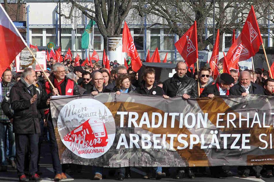 Bei Protesten gegen die Umstrukturierungspläne von Bombardier reihte sich OB Deinege im Frühjahr wie selbstverständlich mit ein.
