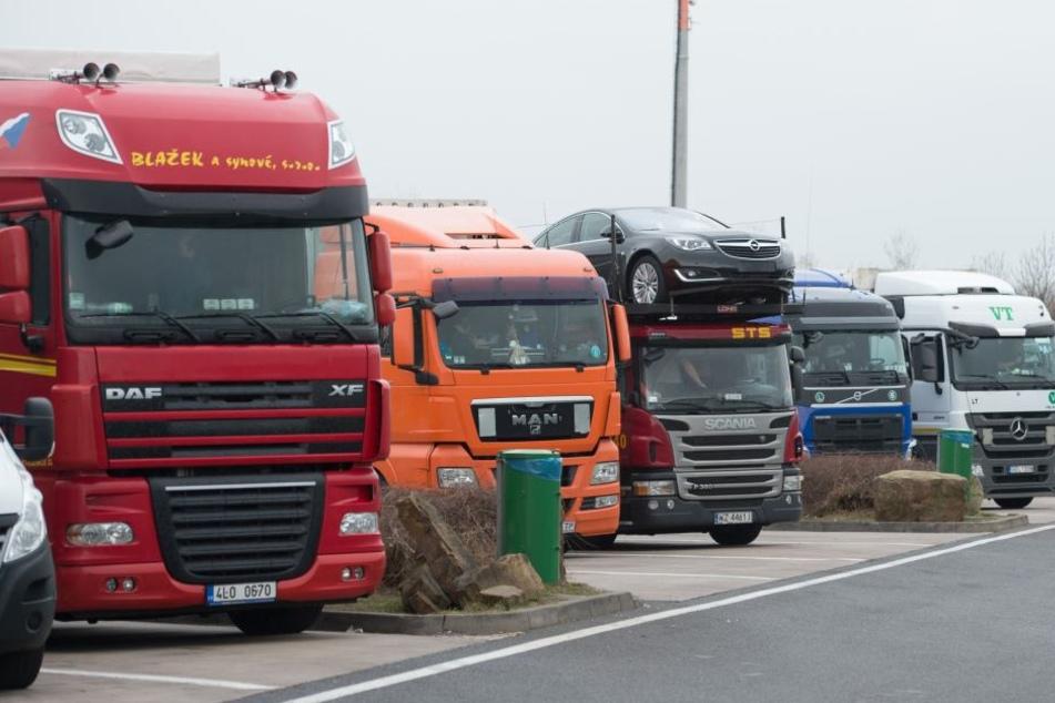 Transportunternehmen müssen ihre Laster stehen lassen, denn in Thüringen fehlen Fahrer.