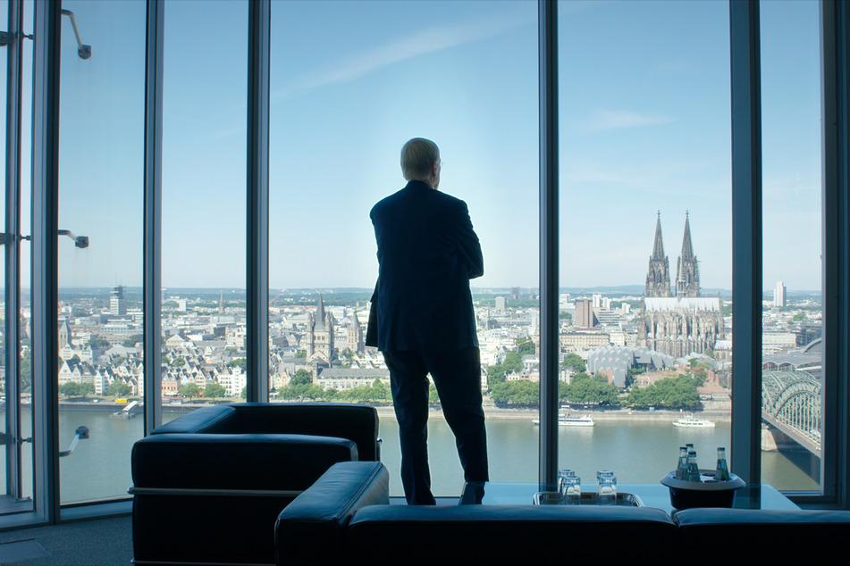 Schöner Schein: Banker haben stets einen tollen Ausblick, lassen sich aber selten in die Karten schauen.