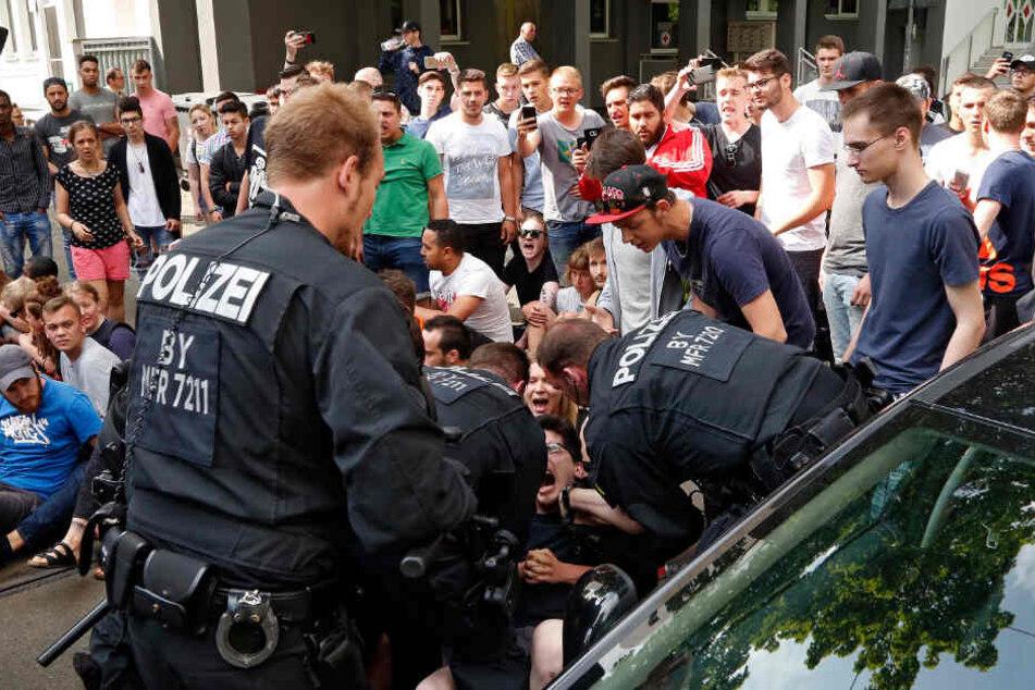 15 Polizisten wurden aufgrund des Skandals vom Dienst suspendiert oder versetzt. (Symbolbild)
