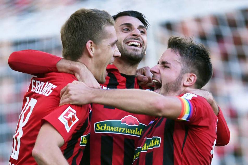 Verrückte Saison: Der SC Freiburg ist durch den 2:1-Sieg gegen RB Leipzig als Tabellenzweiter Bayern-Jäger Nummer eins.