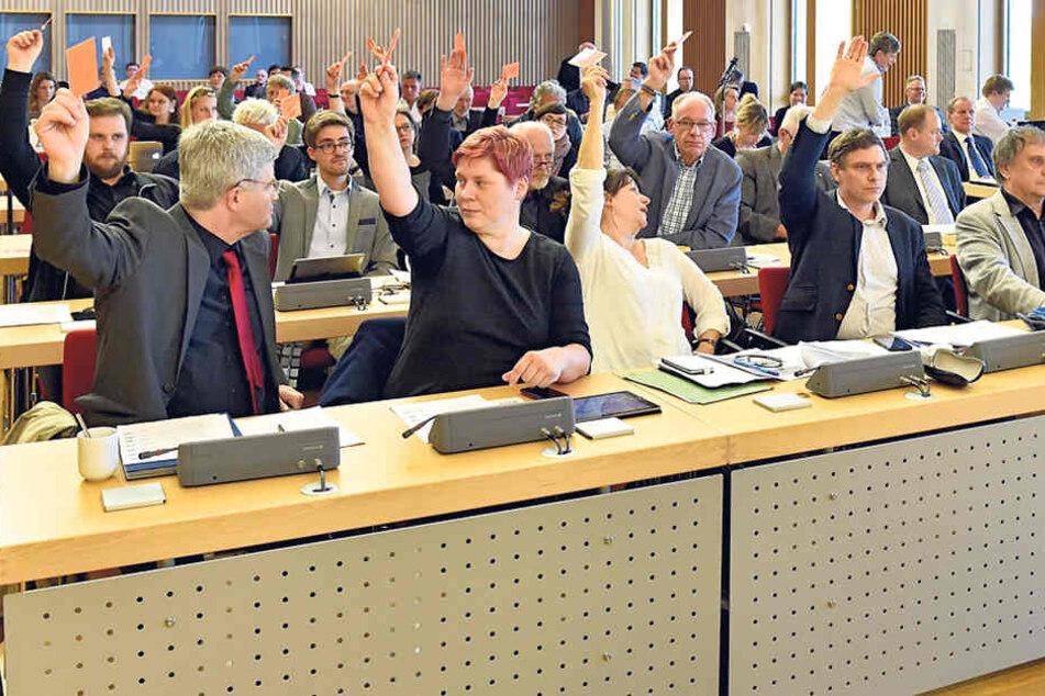 Mit den Stimmen von Linken, Grünen und SPD wurde der Schul