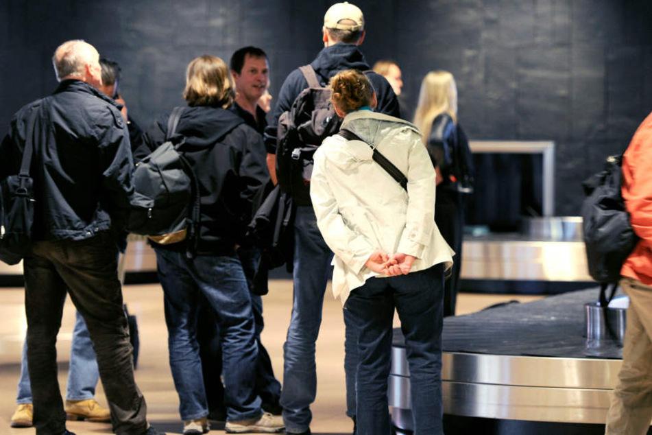 Ist mein Gepäck da oder nicht? In Hamburg wurde ein Kofferdieb von der Polizei geschnappt.