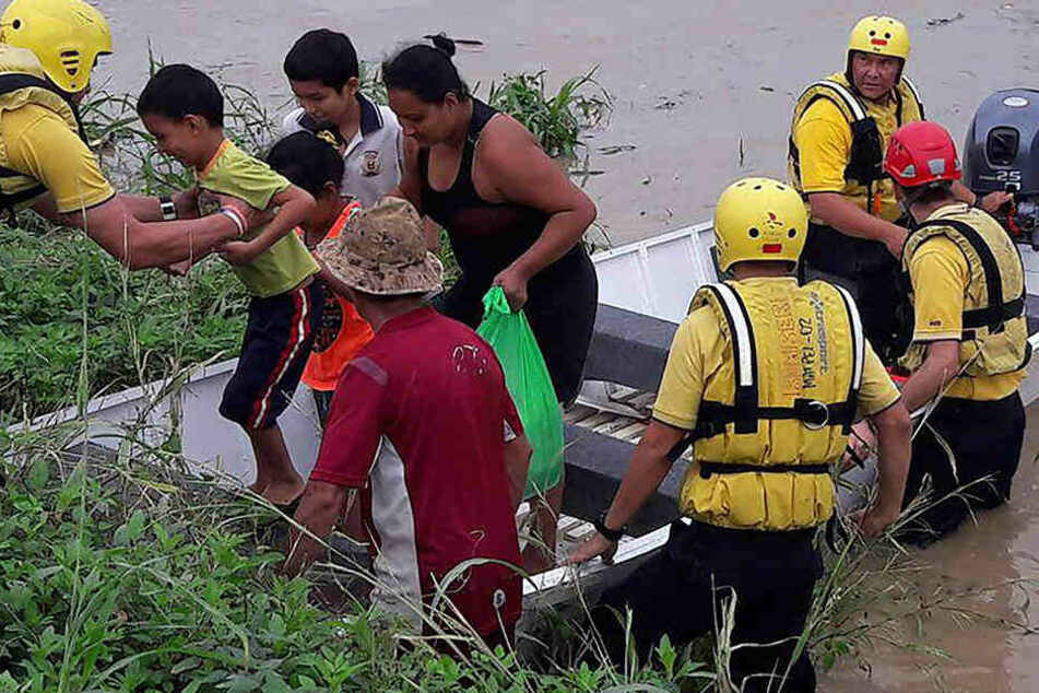 Mittelamerika wurde gleich von zwei heftigen Naturkatastrophen heimgesucht.