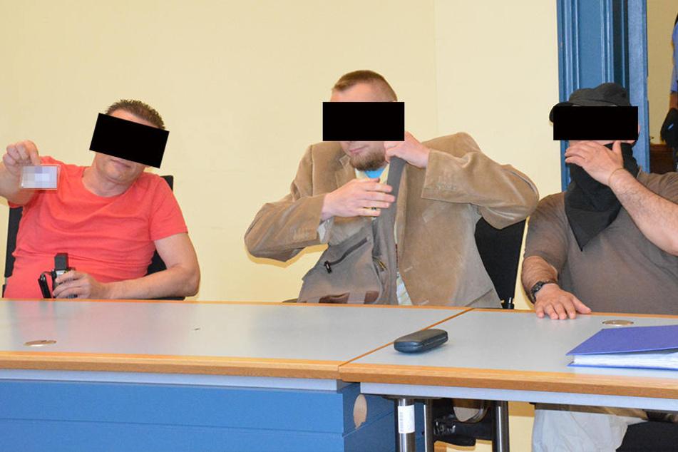 Die drei Angeklagten im Zwickauer Verleumdungsprozess. Sie sollen falsche Behauptungen über OB Findeiß verbreitet haben.