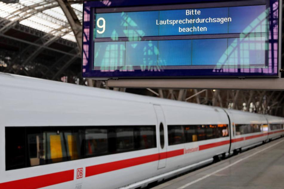 Freitagvormittag ging am Leipziger Hauptbahnhof wegen eines technischen Problems gar nichts mehr. (Archivbild)