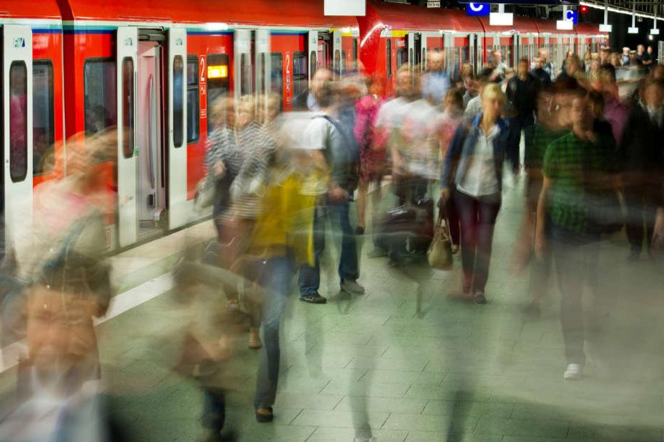 Es wird zu Störungen im S-Bahn-Verkehr von Frankfurt kommen (Archivbild).
