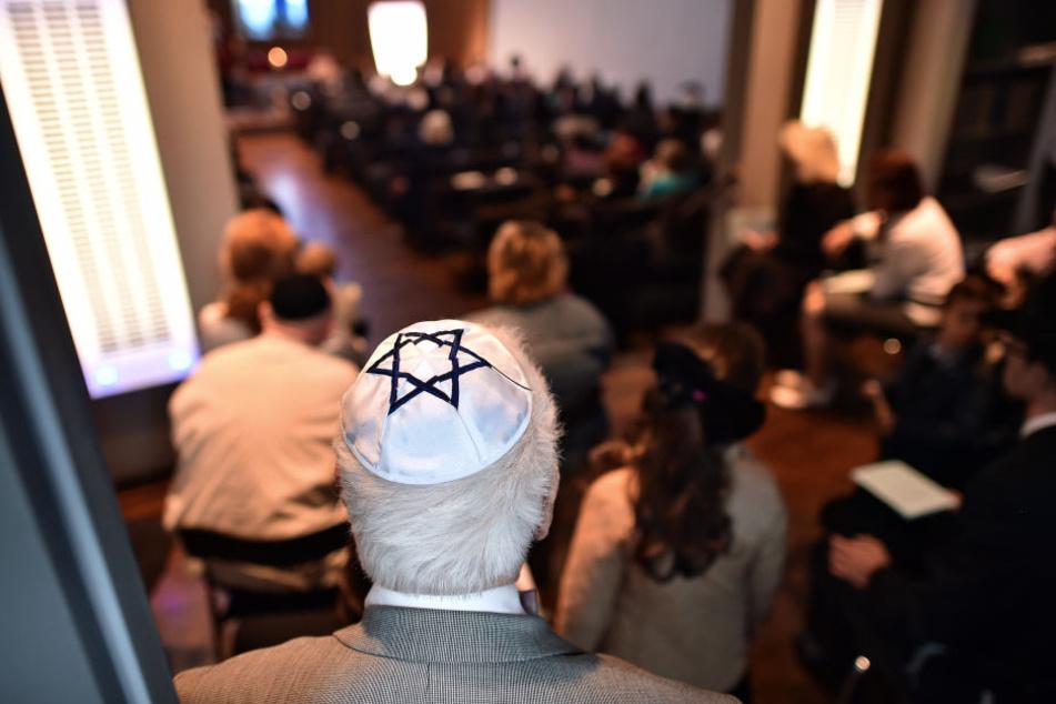 Sachsen zählt immer weniger jüdische Gemeindemitglieder. Deutschlandweit sind die Zahlen rückläufig. (Symbolbild)