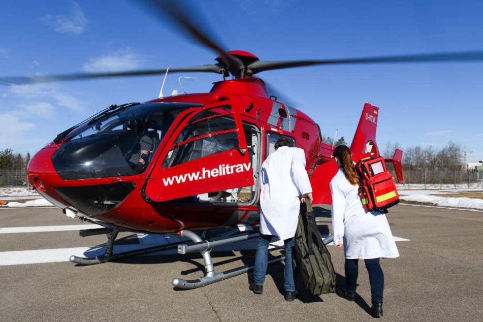 Jede Minute zählt: Ärzte fliegen per Helikopter zu Schlaganfall-Patienten