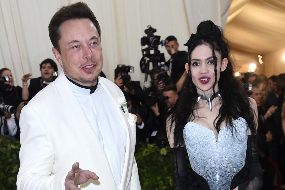 Tesla-Chef Elon Musk (49) und seine Freundin, die kanadische Sängerin Grimes (32).
