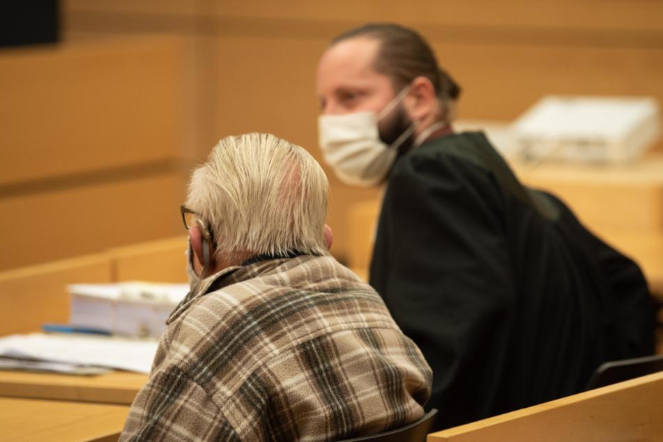 Jahrelang kümmerte sich der 95-Jährige um seine Ehefrau.