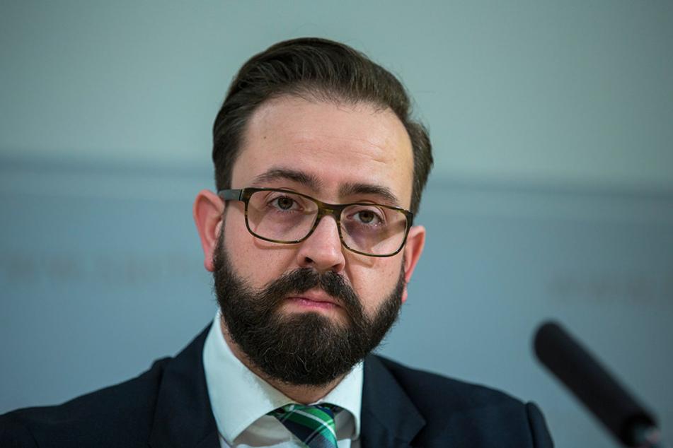 Justizminister Sebastian Gemkow (38, CDU) ist überzeugt, dass sich  Gerichtsvollzieher mit der Gefahrenabfrage besser schützen können.