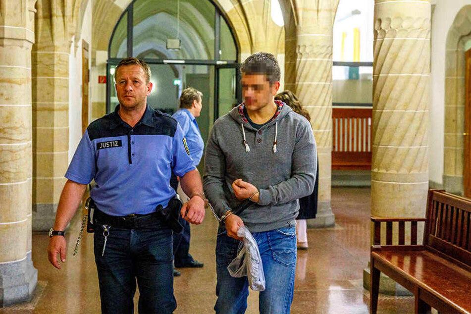 Alexander M. (38), verurteilter Mörder, zeigte den Schläger an.