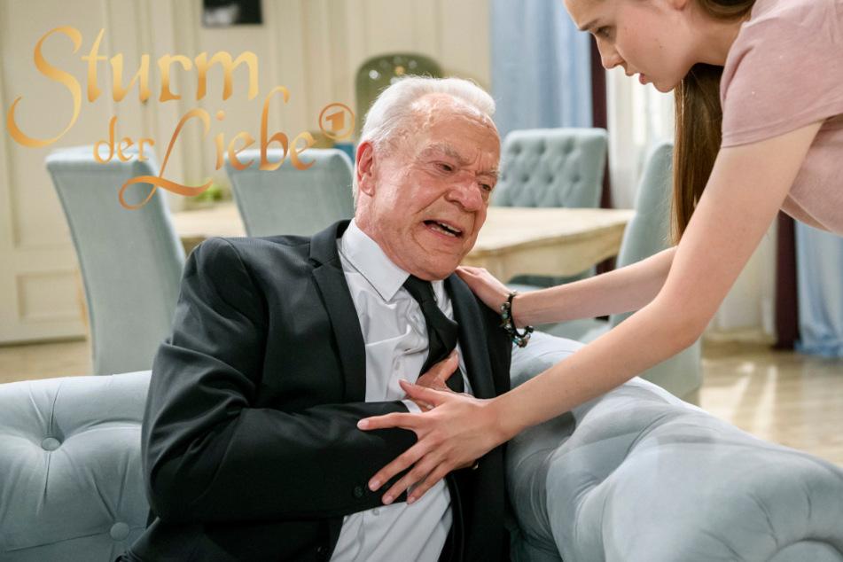 Sturm der Liebe: Valentina muss mit ansehen, wie ihr Opa von einem Herzinfarkt überrascht wird.