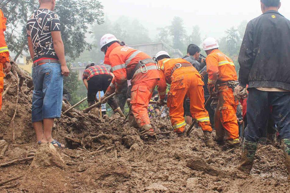 Das zweite Beben riss die Bewohner in der Region Xinjiang aus dem Schlaf.