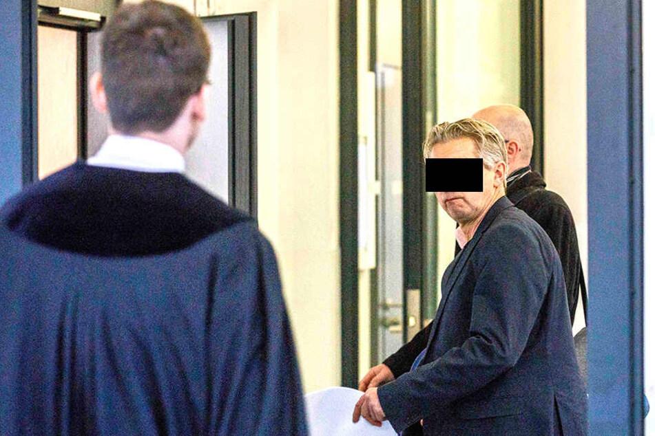 Manfred M. (58) musste in Dresden vorm Amtsrichter erscheinen.
