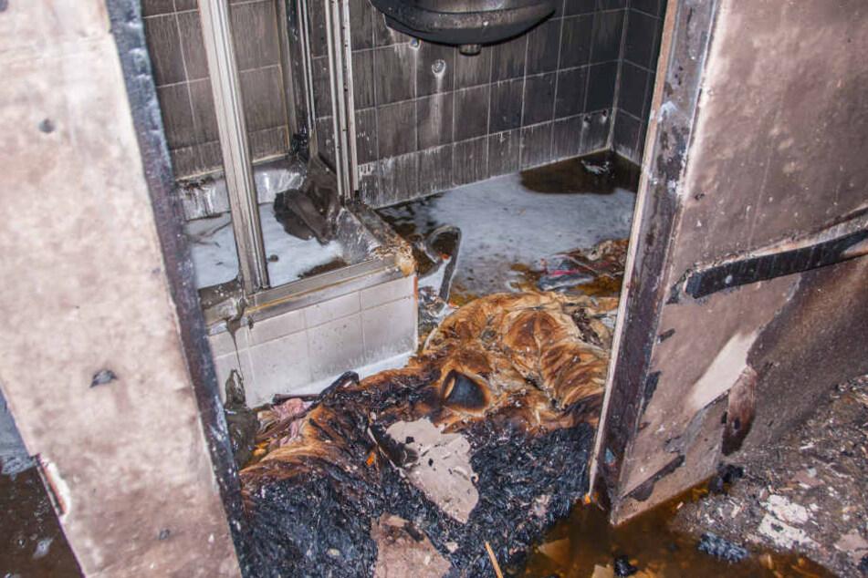 Das Feuer war in einem der Zimmer ausgebrochen.
