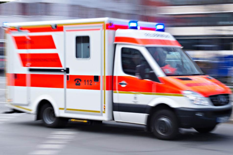 Zwei Menschen sind im Süden Thüringens bei zwei Unfällen ums Leben gekommen.
