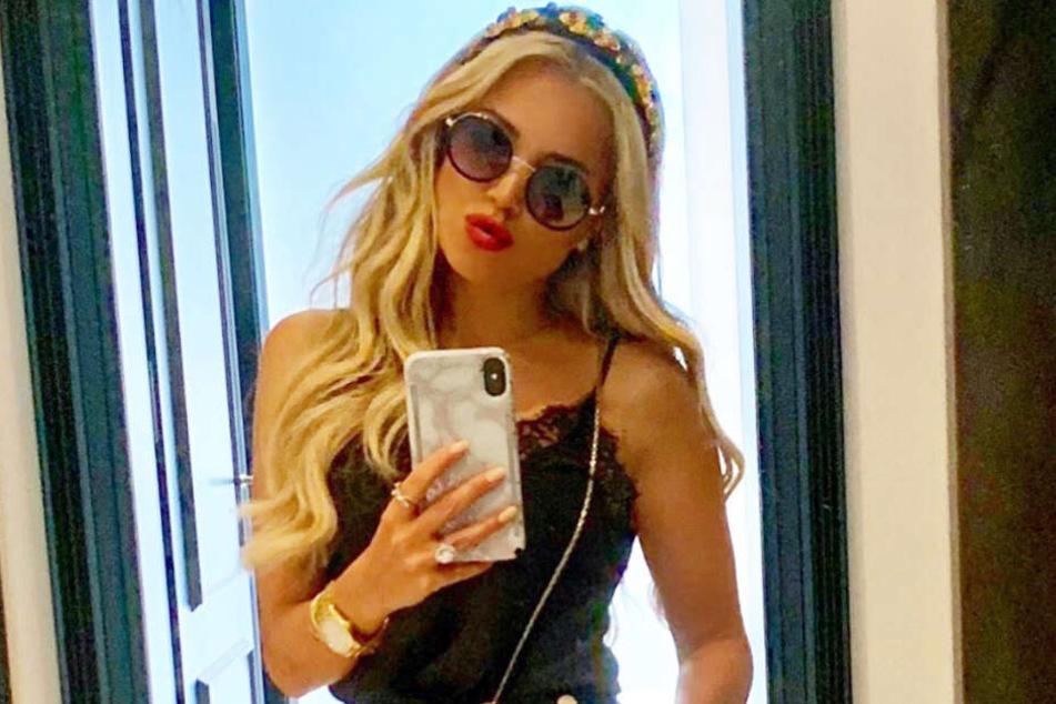 Sylvie Meis zeigt sich auf Instagram in einem sommerlichen Outfit.