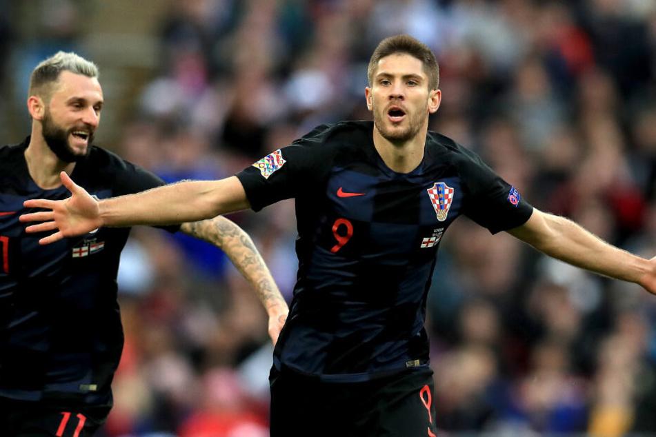 Hier jubelt Kramaric mit Nationalmannschafts-Kollege Marcelo Brozovic im Trikot der Kroaten. Es war sein Treffer zum 1:0 in der Nations League gegen England.