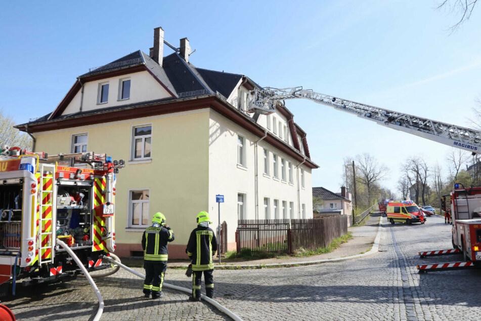 Das Feuer war im Dachgeschoss des Hauses ausgebrochen.