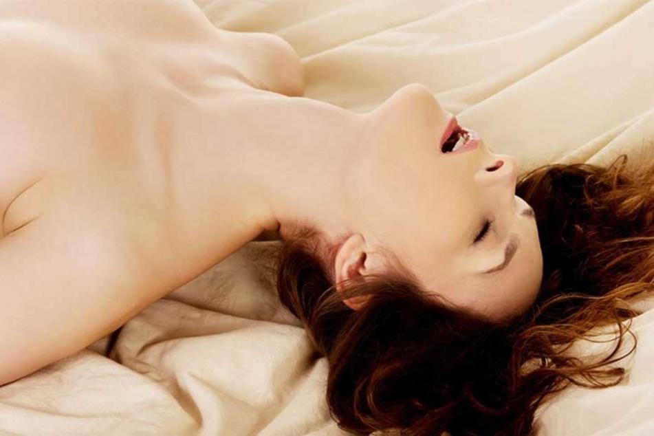 Frauen haben in einer Studie verraten, wie sie berührt werden wollen, um zum Orgasmus zu kommen.