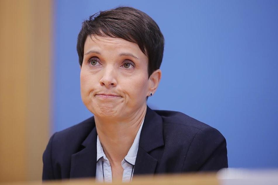 Bald als Fraktionslose im Bundestag? Frauke Petry (AfD) am 25.09.2017 bei der Bundespressekonferenz in Berlin.