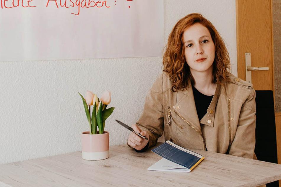 """Hanna Klouth: """"Ich möchte unter möglichst realen äußeren Rahmenbedingungen dokumentieren, ob und wie ich es schaffe, einen Monat unter 416 Euro-Bedingungen zu leben."""""""