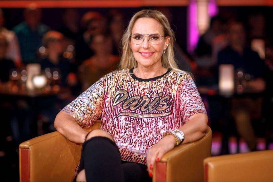 Multitalent Natascha Ochsenknecht (54) will sich ins Tonstudio stellen und eigene Songs aufnehmen. Das verriet sie am Freitag im MDR-Riverboat.