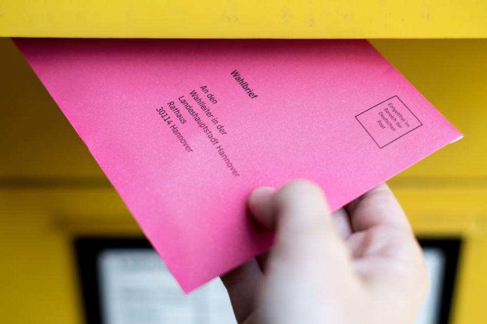 In Hessen wird die Briefwahl immer beliebter. (Symbolbild)