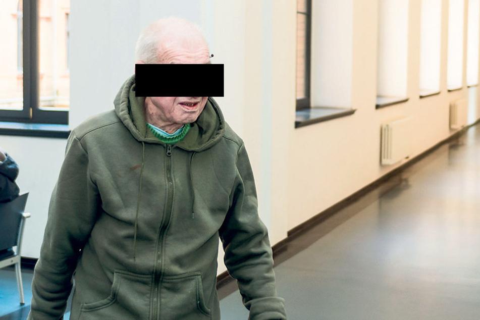 Neun Diebstähle und dreimal Schwarzfahren gab Hans-Jürgen unumwunden zu.