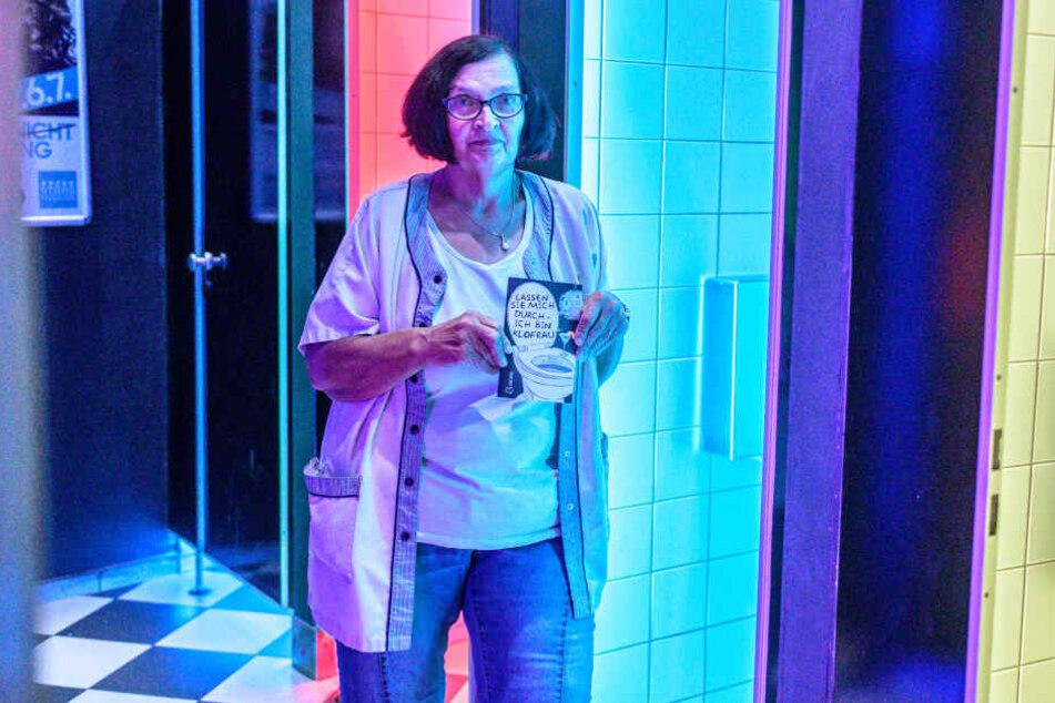 Die 62-Jährige hat über ihre Erlebnisse als Toilettenfrau in der Discothek ein Buch geschrieben.