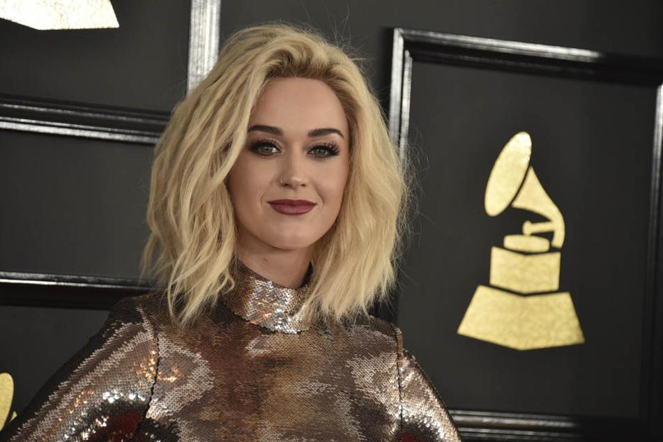 So sieht sie nicht mehr aus! Katy Petty (32) hat sich nach der Trennung von Orlando Bloom eine neue Frisur zugelegt.