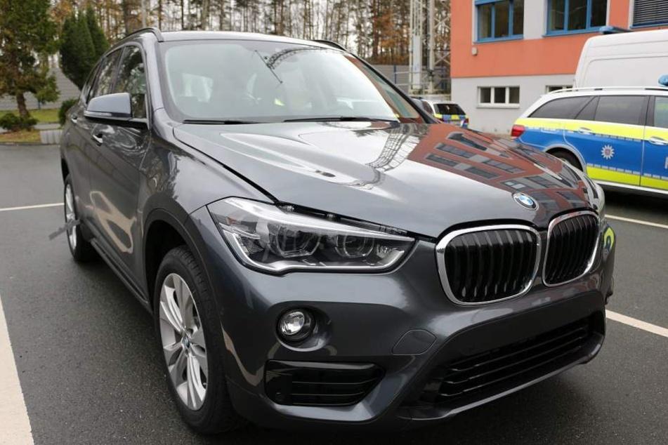 Mit diesem neuen BMW X1 waren die Beiden auf ihrer wilden Fahrt durch Jena unterwegs.