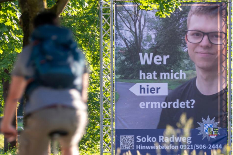 Das 24-jährige Opfer (rechts) fuhr im August 2020 auf dem Radweg in Bayreuth, als es zum Verbrechen kam.